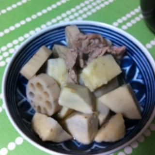 レンコンと里芋と豚肉の煮物