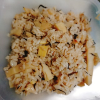 竹の子とひじきの炊き込みご飯
