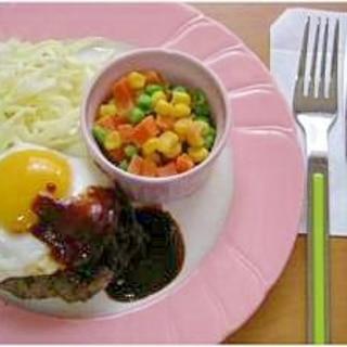 超簡単★目玉焼きハンバーグ