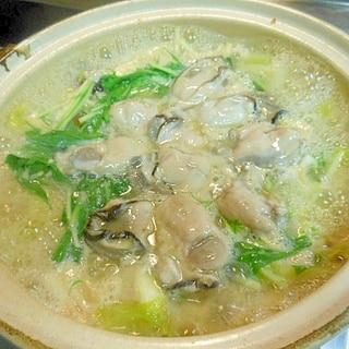 牡蠣と水菜の味噌鍋