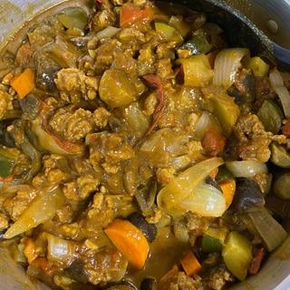 無水鍋で!野菜たっぷり、大豆ミートカレー