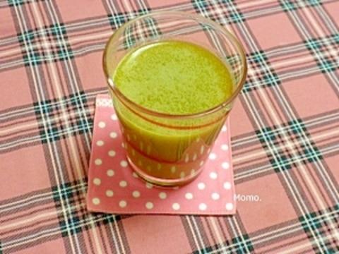 ニンジンと小松菜の野菜ジュース
