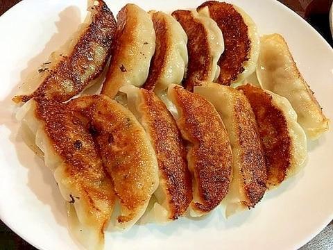 油もはねずに簡単!冷凍餃子の美味しい焼き方