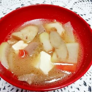 【和食定番料理】8種の具材入り味噌醤油けんちん汁