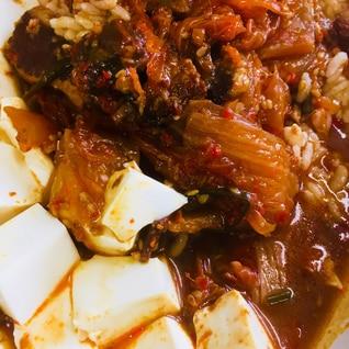 牛すじ肉のキムチ煮込み