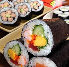 恵方巻と飾り寿司