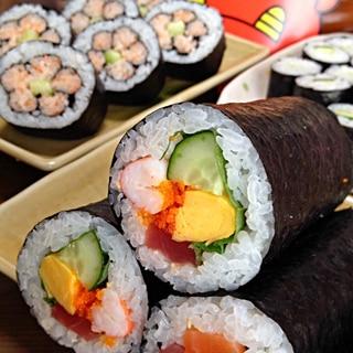 恵方巻き&飾り寿司です☆海鮮たっぷり版&愛らし系♪