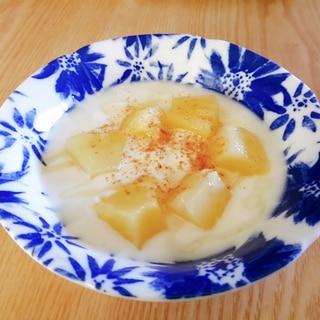 パイナップルの蜂蜜シナモンヨーグルト