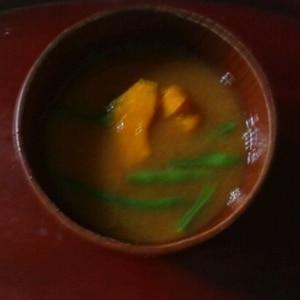 毎日のお味噌汁57杯目*インゲン、南瓜にプラス?