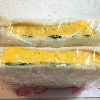 甘い卵焼きのサンドイッチ