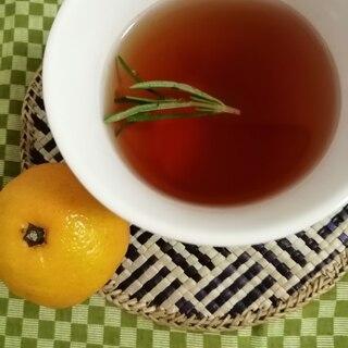 りんごジュースとみかん汁入り紅茶