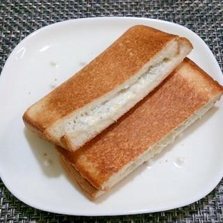 ☆朝食バリエ☆ めちゃウマ しらすのホットサンド