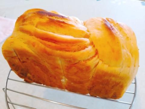 イチジクジャム折り込みパン