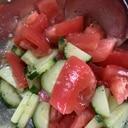 トマトとキュウリのレモンオリーブオイル和え