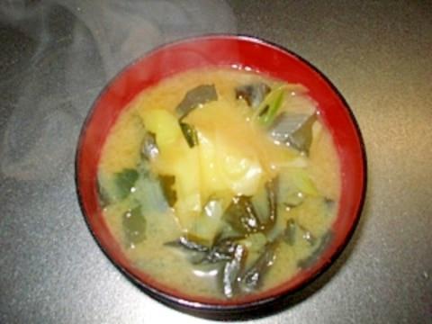 長ネギとじゃがいもの味噌汁