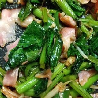 小松菜とピーマンとベーコンの炒めもの