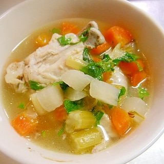 圧力鍋で★コロコロ野菜と鶏手羽先のスープ★