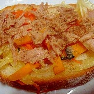 人参・玉ねぎ・カボチャとツナのフランスパントースト