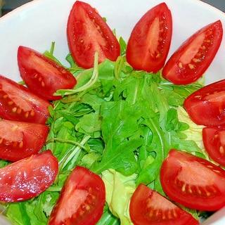 ルッコラ、トマトのグリーンサラダ♪
