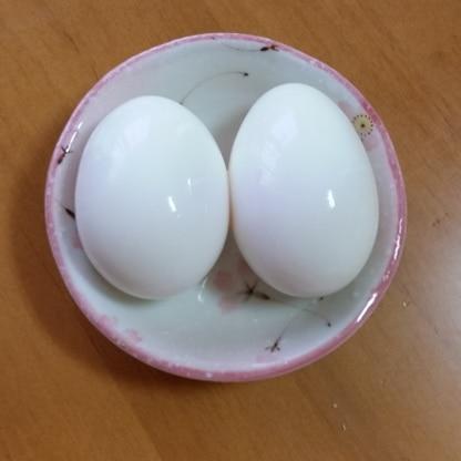 こんなに少量の水でしかも早くゆで卵が出来るなんて♪ 今まで色々もったいなかったな~と思っちゃいました(^^; これからもこの方法で作りたいと思います!