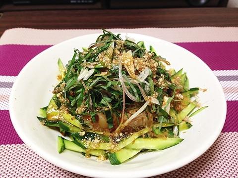 ボリューム満点ヘルシー薬味たっぷり豆腐サラダ