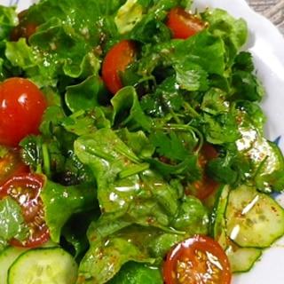 レタスキュウリトマトの香菜サラダ