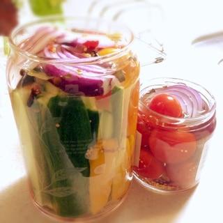 簡単!カンタン酢でたっぷり夏野菜ピクルス