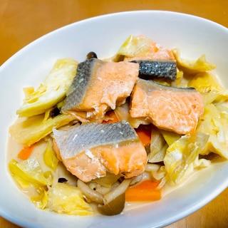簡単!ほっこり★鮭と春キャベツのクリーム煮