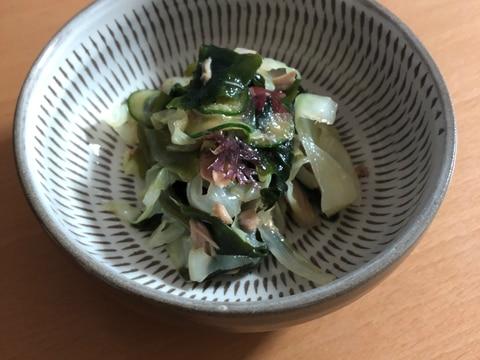 給食の海藻&ツナサラダ