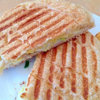 チャバタで白菜とチーズのパニーニ