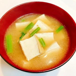 厚揚げとスティックセニョールの味噌汁☆