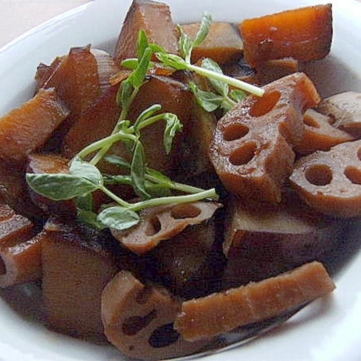 お弁当にも❤薩摩芋とレンコンの煮物♪