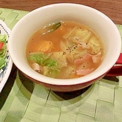 カボチャと白菜のコンソメスープ