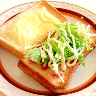 パン1枚でベーコンチーズと水菜のトーストサンド