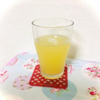 リンゴ炭酸ジュース