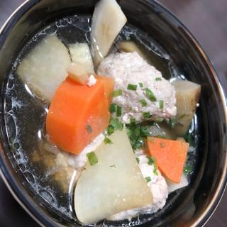 生姜が効いた根菜と豚つみれ汁