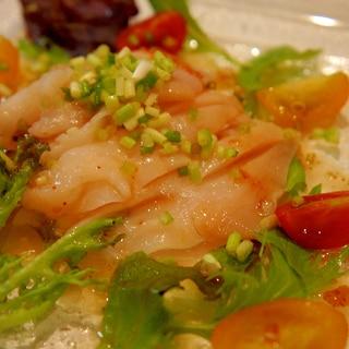 ごま油の風味香るピリッとつぶ貝のカルパッチョ