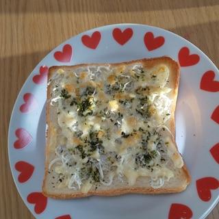朝食に!簡単しらすチーズトースト☆