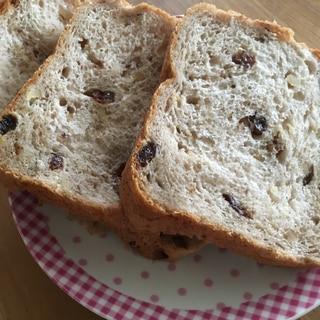 レーズンクルミふわふわ食パン。糖尿病、動脈硬化予防