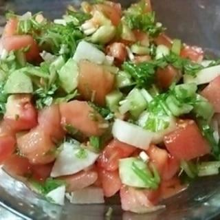 トマトと長芋、胡瓜のあっさりサラダ