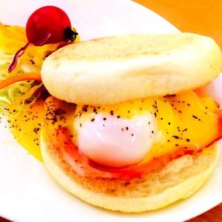 おしゃれな朝食*エッグベネディクト