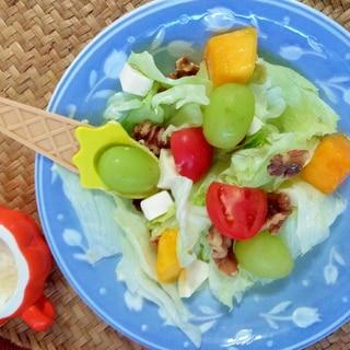 ハロウィンにフルーツサラダ