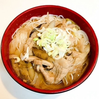 干し椎茸と豚バラ肉を使って☆美味しいツルツル温麺