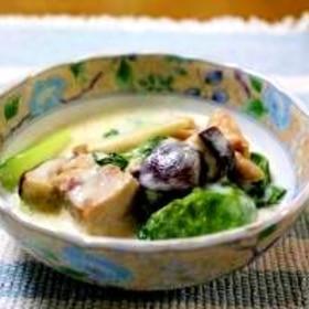 チンゲン菜と鶏肉のクリーム煮