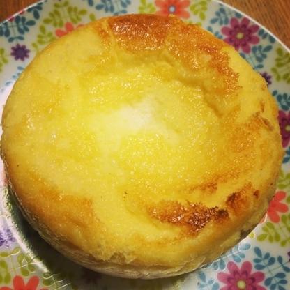 混ぜて焼くだけですごい簡単でした! しかもすごく美味しい! 固まらないーっと不安でしたが 冷やしたら固まりました(^^)笑 またリピします♪