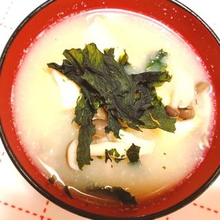 パリパリワカメの味噌汁