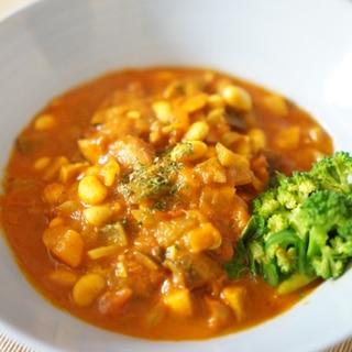 旨味も栄養もたっぷり!大豆とベーコンのトマト煮