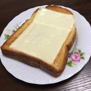 カリッとろっガーリックトースト