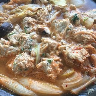 豆腐と干しエビの鶏団子のキムチ鍋