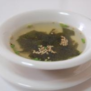 焼肉屋さん風わかめスープ